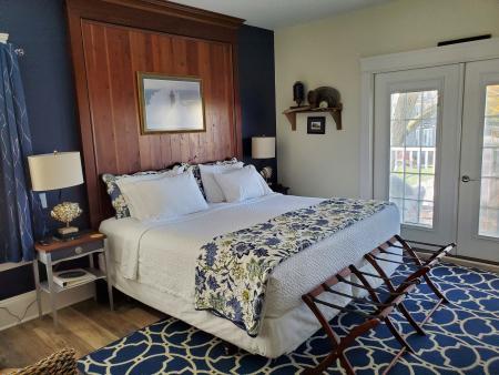 Port Side Room